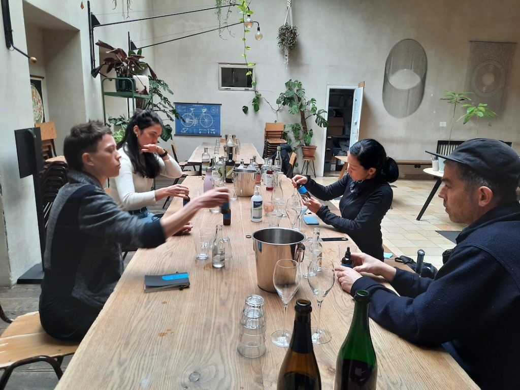 photo of a non alcholoc drink tasting workshop for bartenders
